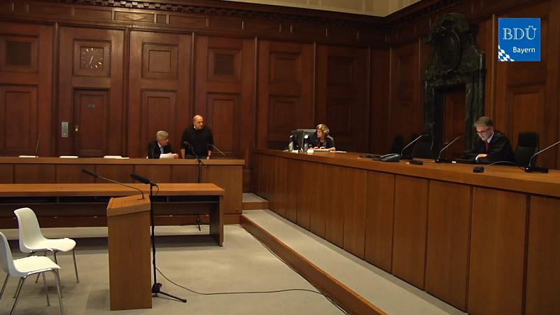 Gespielte Gerichtsverhandlung Gerichtsdolmetscher